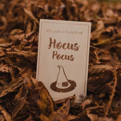 Holzpostkarte Hocus Pocus