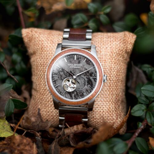 Dubai is an automatic wood watch made of mahagony with a marble dial