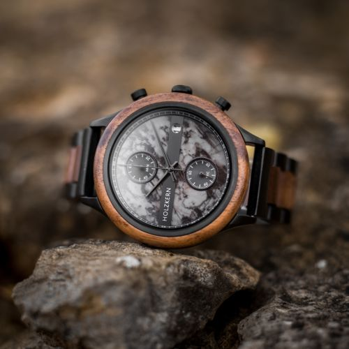 Vecchio is a wood watch made by Holzkern