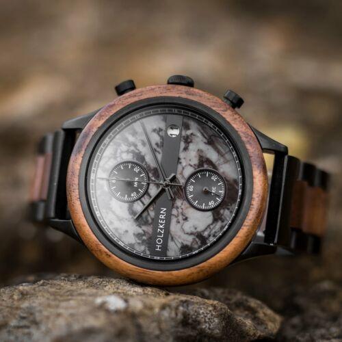 Vecchio ist eine Holzuhr der Marke Holzkern