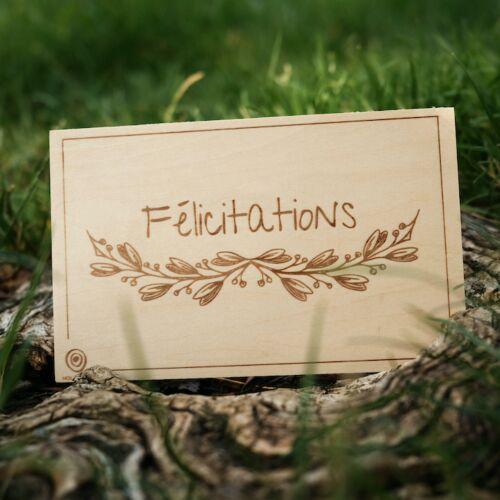 Carte de Vœux en Bois: Félicitations