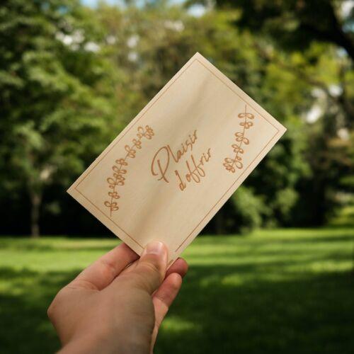 Carte de Vœux en Bois: Plaisir d'offrir