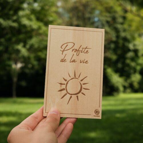 Carte de Vœux en Bois: Profite de la vie