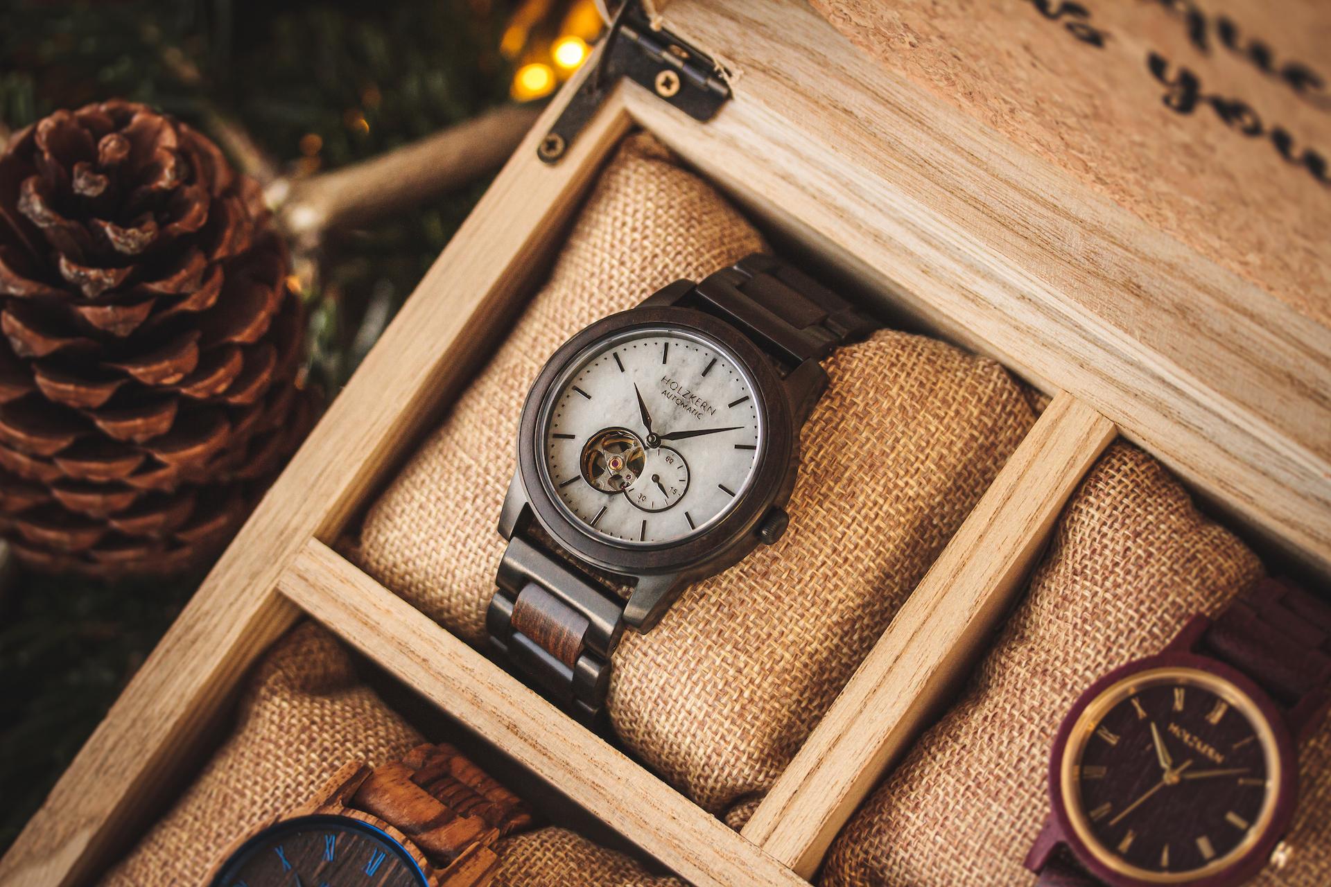 Warum Holzkernuhren das perfekte Geschenk sind