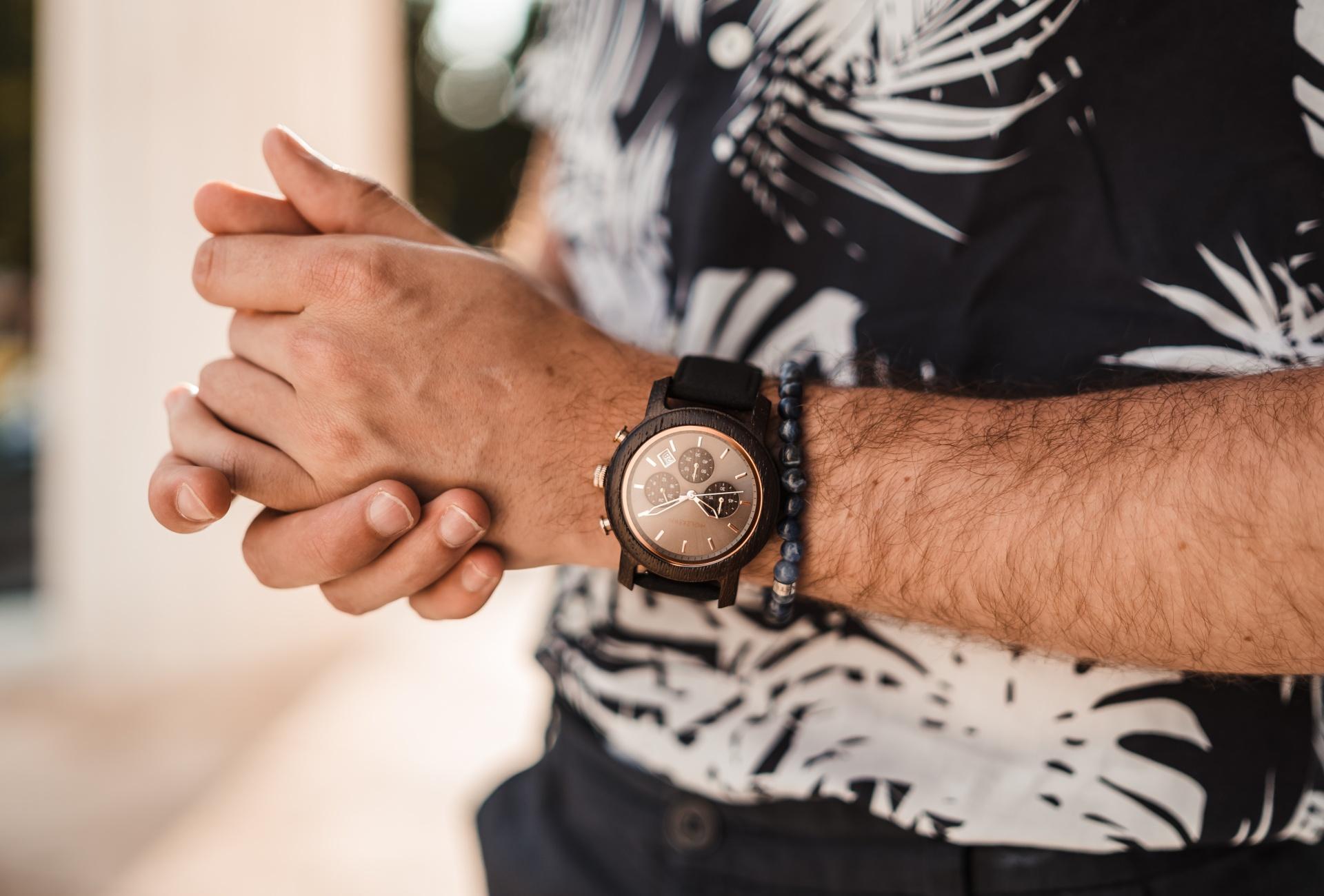 7 motivos para tener un reloj de madera y piedra