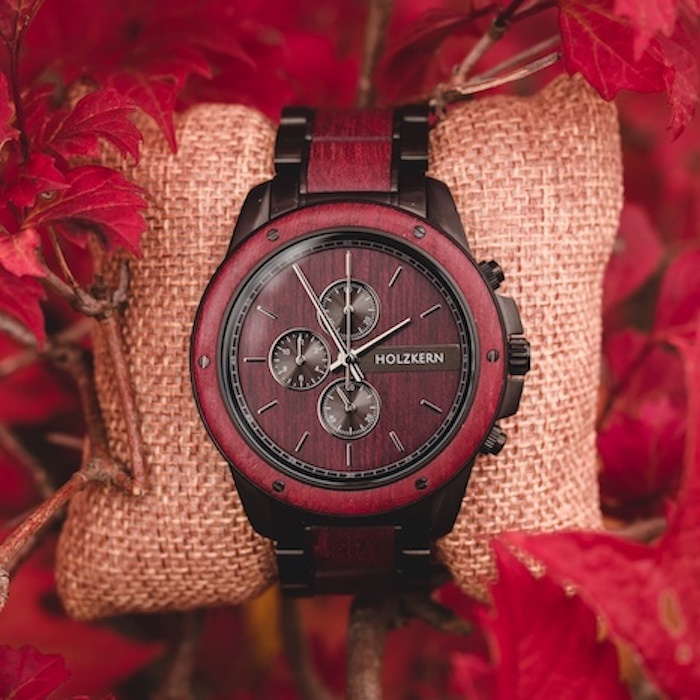 Rote Amaranth Uhren DE 1