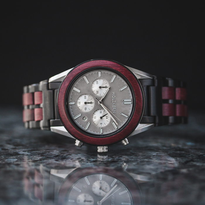 Rote Amaranth Uhren DE 6
