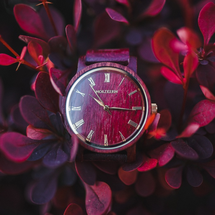 Rote Amaranth Uhren DE 8