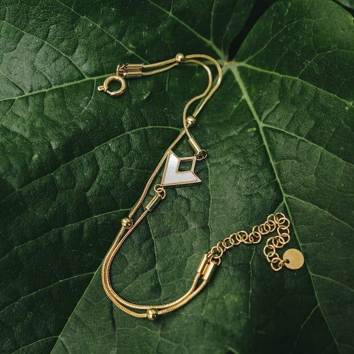 Bracelet Conceptual