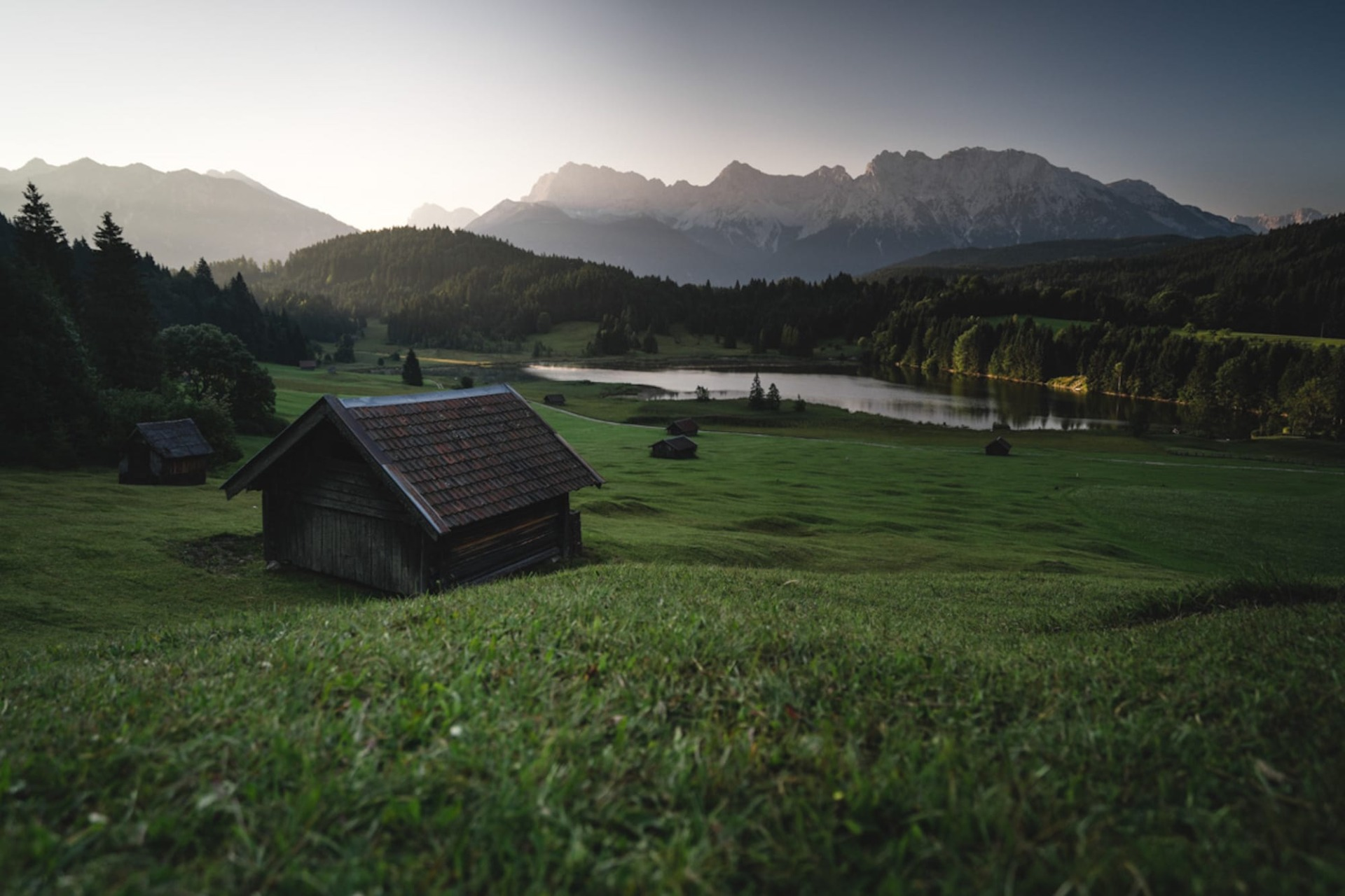 Sonnenaufgang Hütte