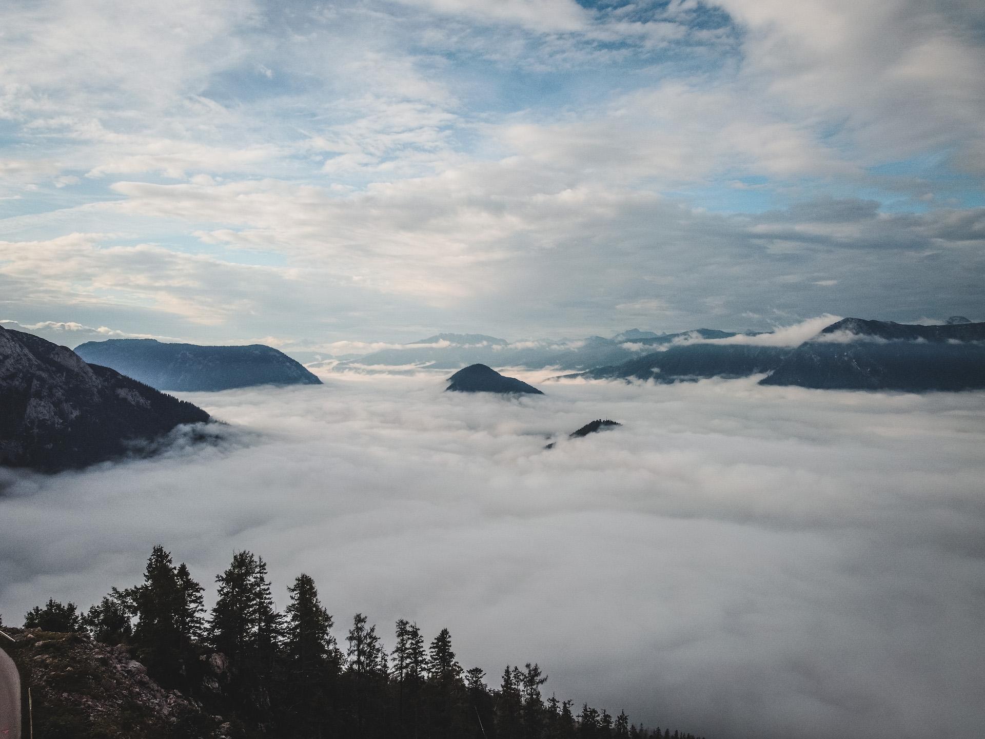 Wolken am Loser