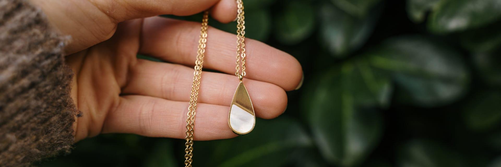 La joyas y bandlets naturales que no te puedes perder este verano